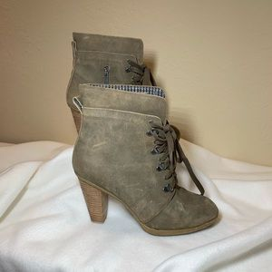 Kenneth Cole Reaction suede boots